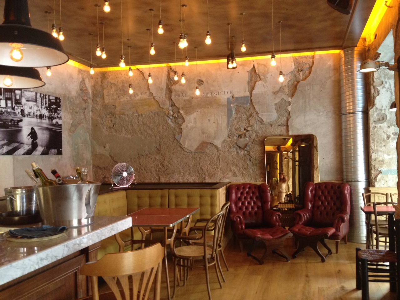 Nouveau bar tester nice le comptoir central electrique street balades - Bar le central ...